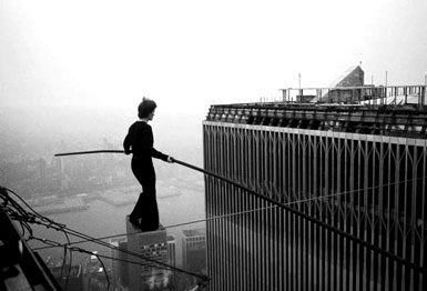 Philippe Petit at WTC (New York 1974, © Jim Moore)